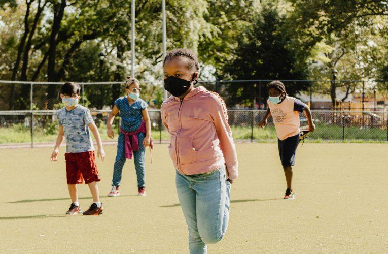 De hecho, llevar una máscara puede ayudar a sus hijos a aprender – Prensa Libre
