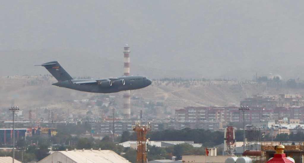 Ejército estadounidense destruyó 73 aviones y 70 vehículos blindados antes de salir de Kabul - Prensa Libre