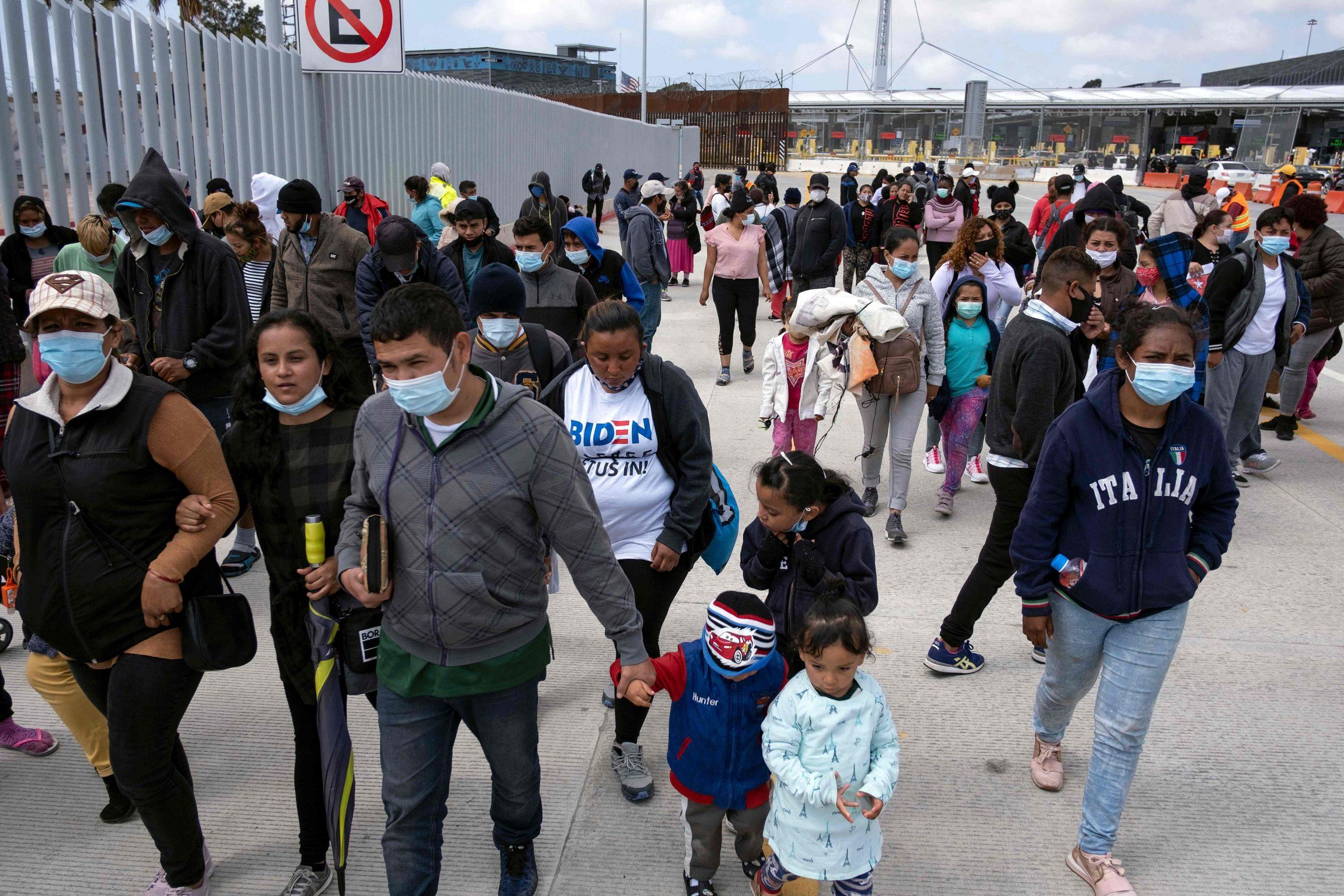 Estados Unidos inicia hoy implementación de Stay in Mexico - Prensa Libre