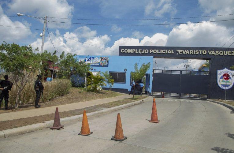 Familiares visitan a presos políticos durante diez minutos en el «nuevo Chipote»