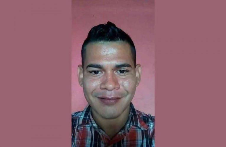 Guardias golpean al preso político Gustavo Mendoza