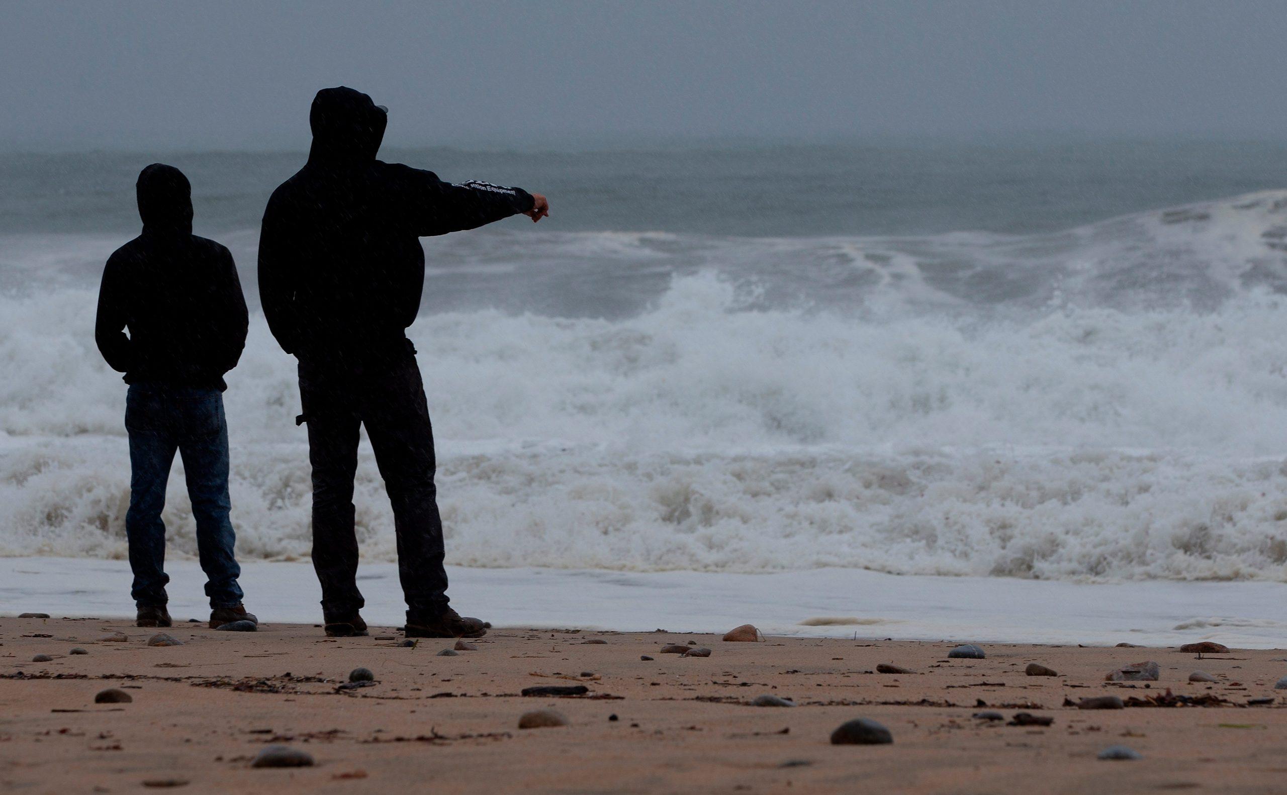Henri, convertido en tormenta tropical, se encuentra cerca de la costa noreste de Estados Unidos - Prensa Libre