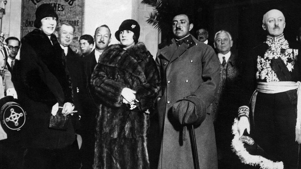 La reina Soraya, una de las primeras líderes en impulsar reformas para las mujeres - Prensa Libre