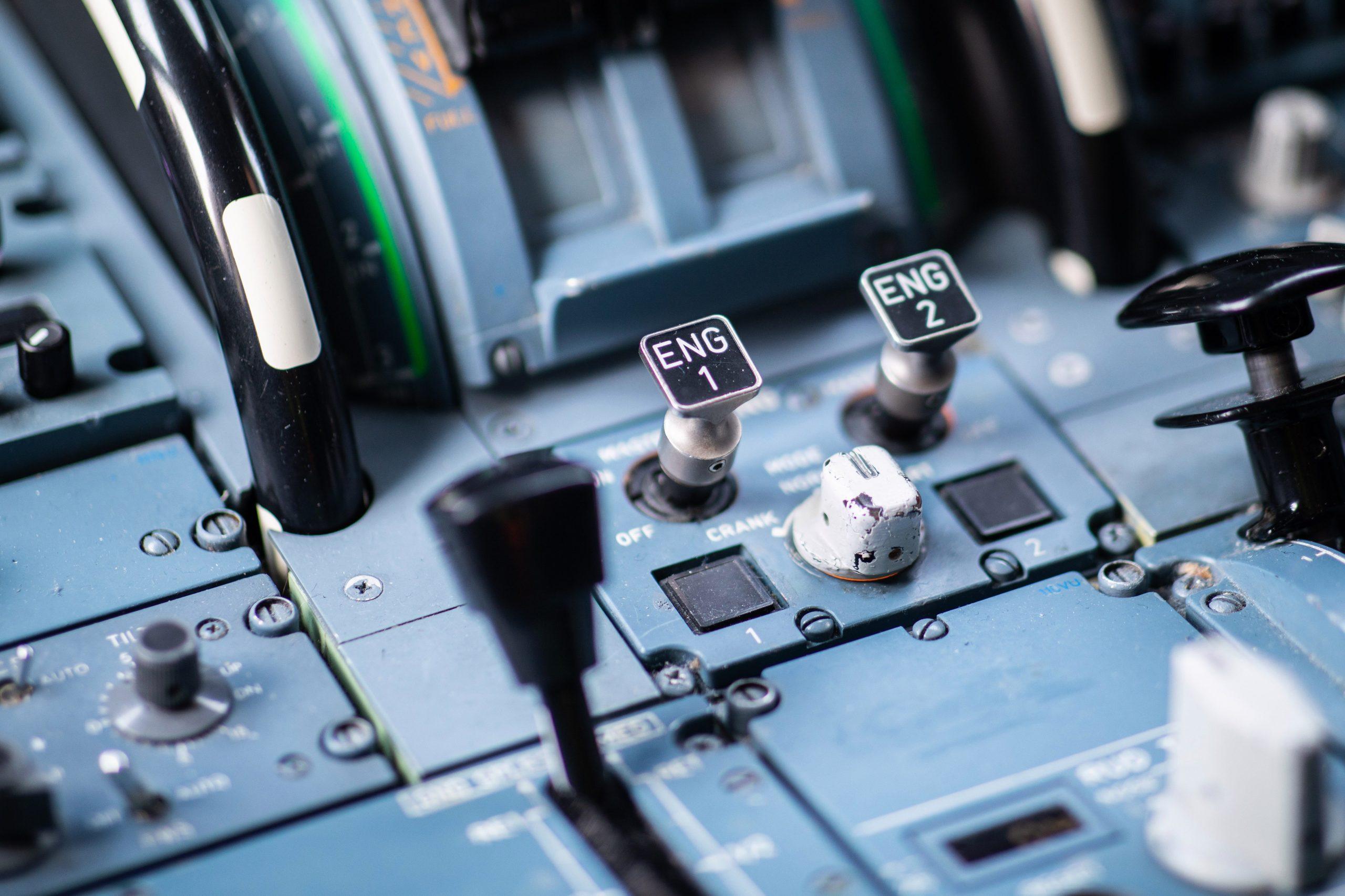 Los pilotos no quieren estar solos en la cabina - Prensa Libre