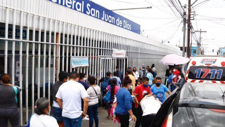 Médicos del hospital San Juan de Dios denuncian saturación, a medida que se multiplican los casos de covid-19 - Prensa Libre
