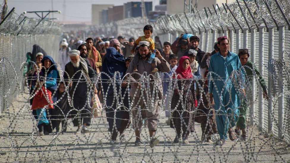 Pakistán, la ruta alternativa para los afganos que huyen de los talibanes y el Estado Islámico - Prensa Libre