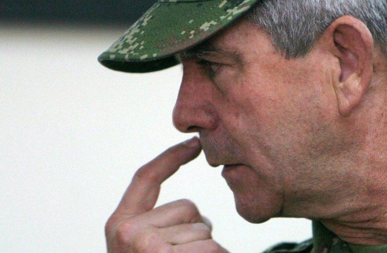 Quién es Mario Montoya, el general colombiano acusado de 104 homicidios «falsos positivos» (y actor clave en la guerra de Colombia)