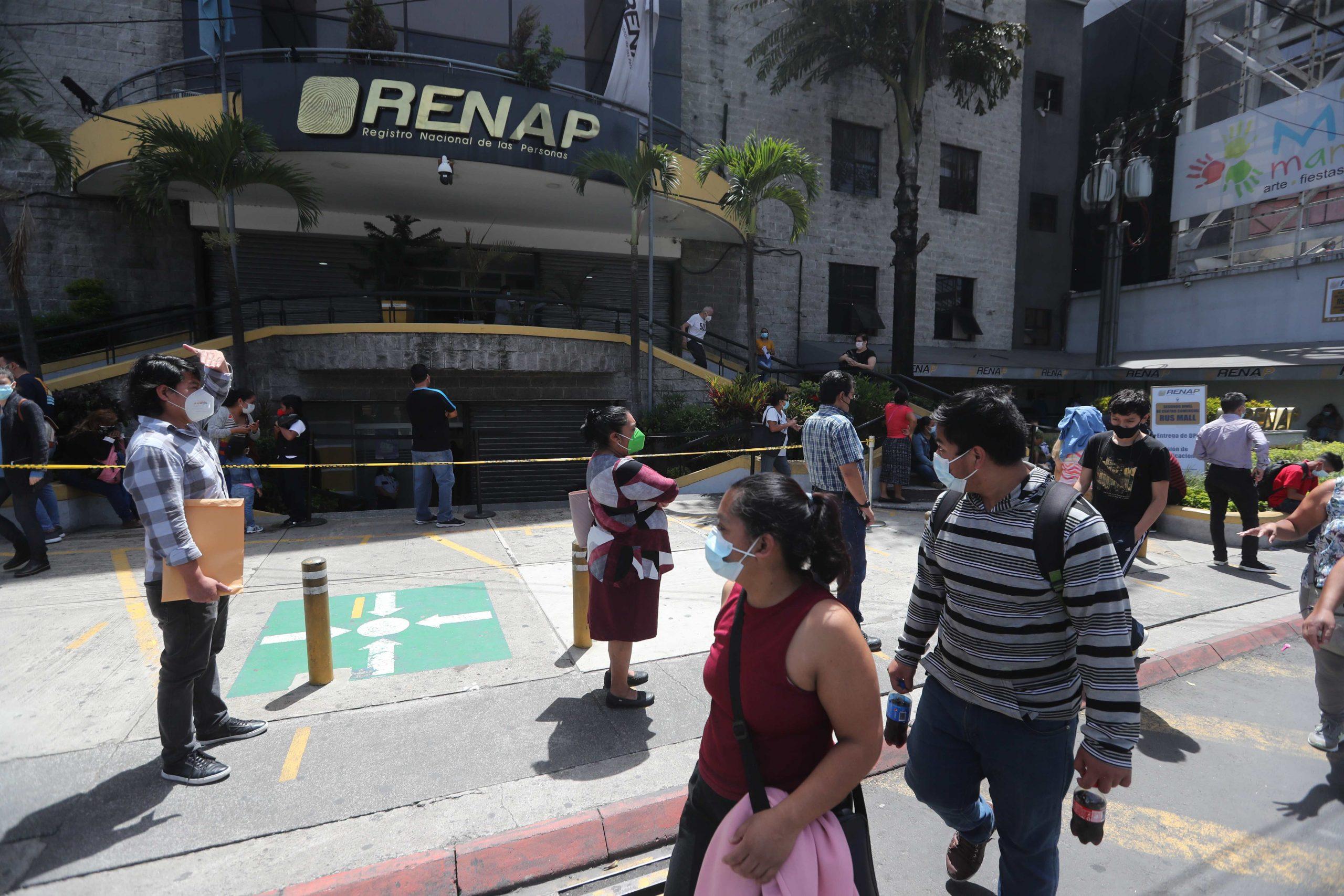 Renap elimina la posibilidad de elegir el orden de los apellidos al dar de alta a los recién nacidos - Prensa Libre