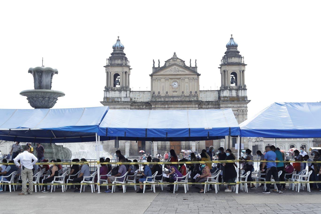 el caso de guatemaltecos que recibieron la vacuna Pfizer en Estados Unidos y no pueden recibir la segunda dosis en Guatemala - Prensa Libre