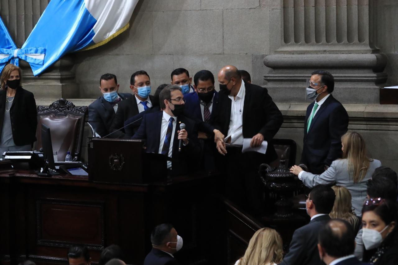 videos de lo vivido en el Congreso durante la discusión sobre el estado de Calamidad - Prensa Libre