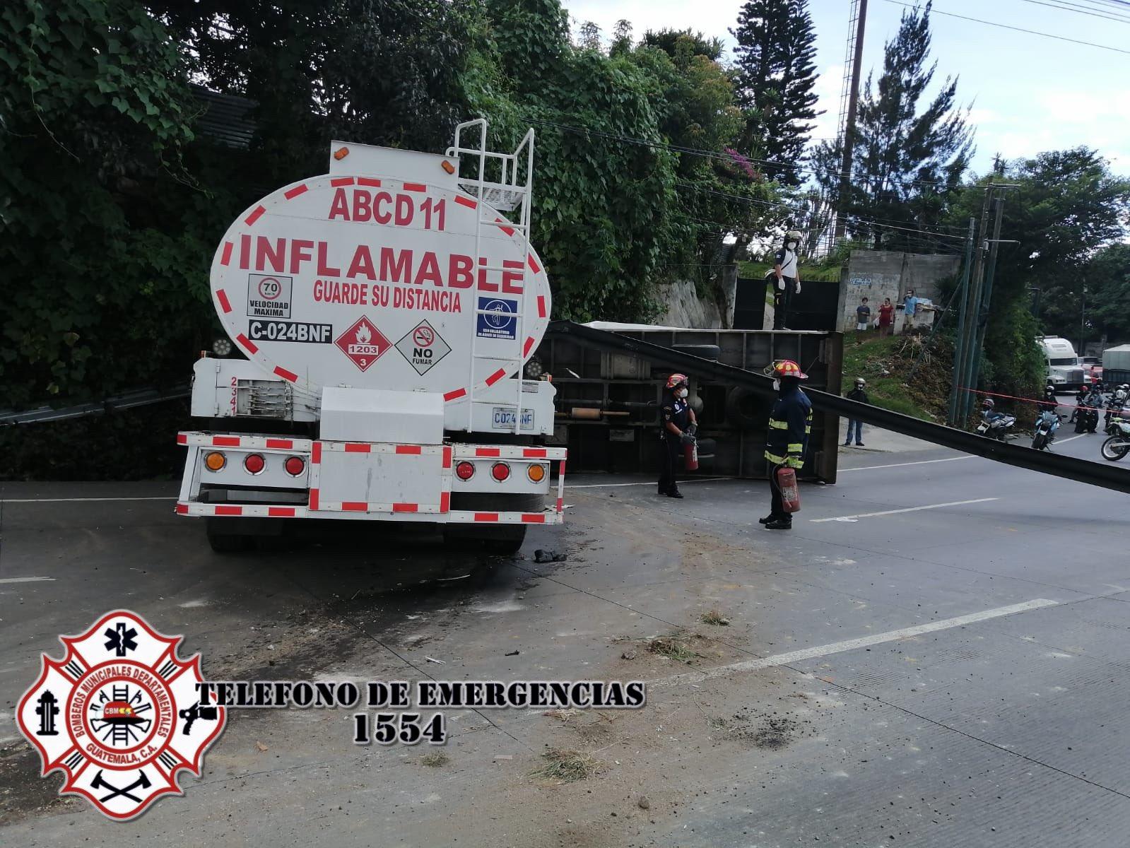 Accidente de camión causa caos vehicular en carretera Interamericana - Prensa Libre
