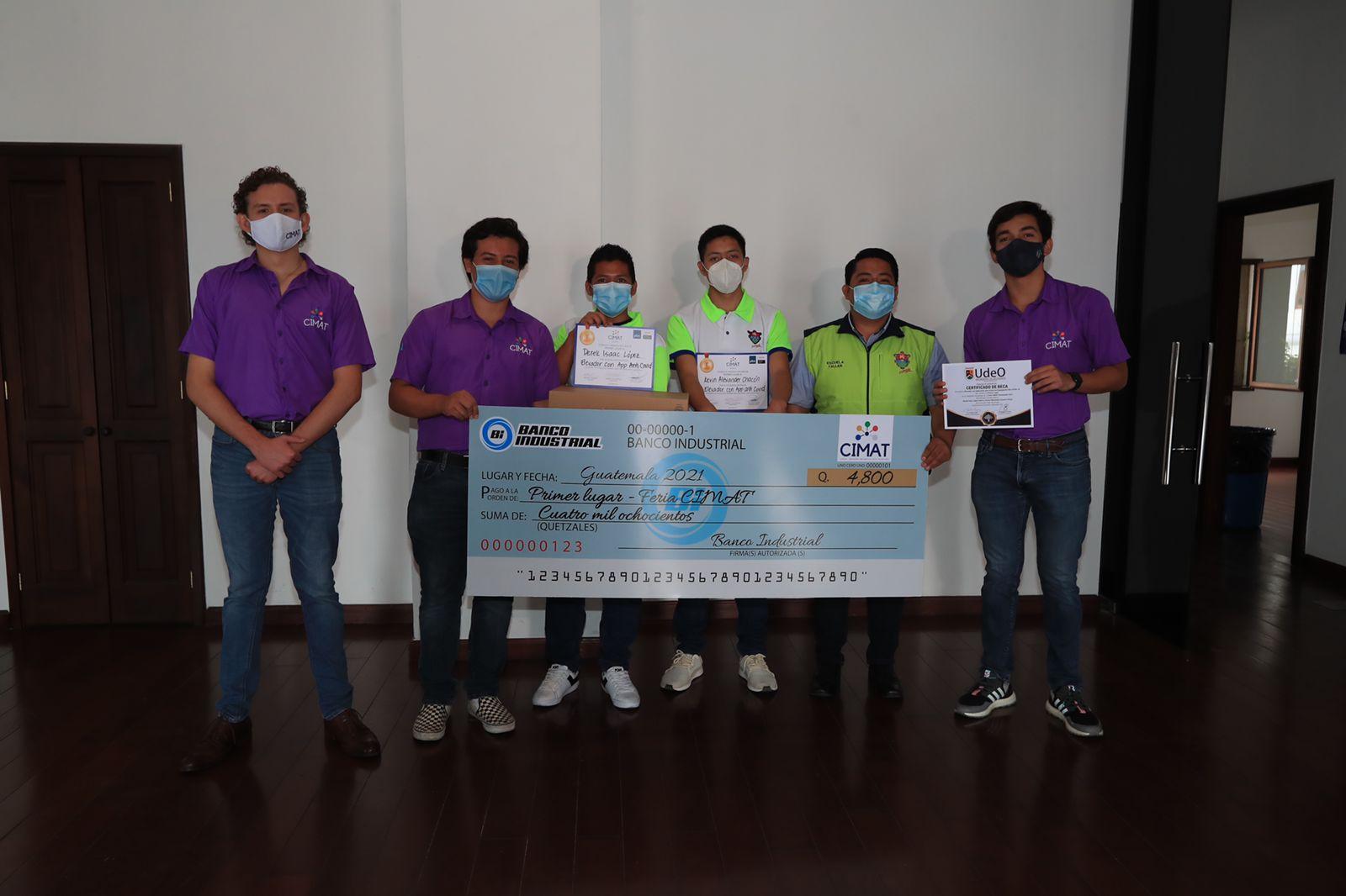 Adolescentes guatemaltecos crean soluciones para detener la propagación del covid-19, reducir la contaminación, facilitar las matemáticas y la expresión creativa