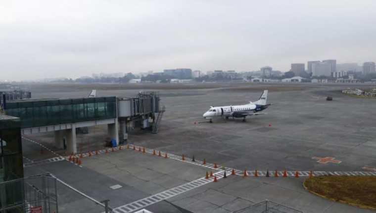 Aviación Civil emitirá permiso a los viajeros para circular durante el toque de queda - Prensa Libre