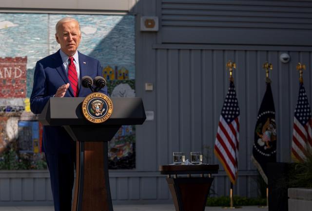Biden pide unidad, deja atrás el miedo 20 años después del 11 de septiembre
