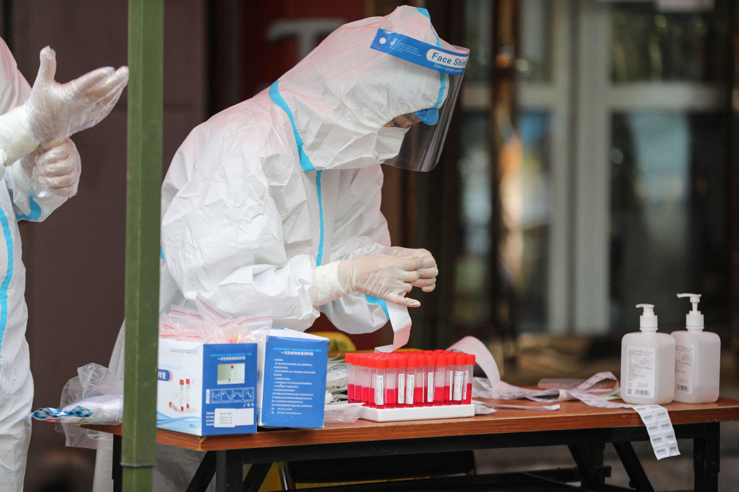 Científicos franceses encuentran virus 'muy similar' en cuevas de murciélagos chinos - Prensa Libre