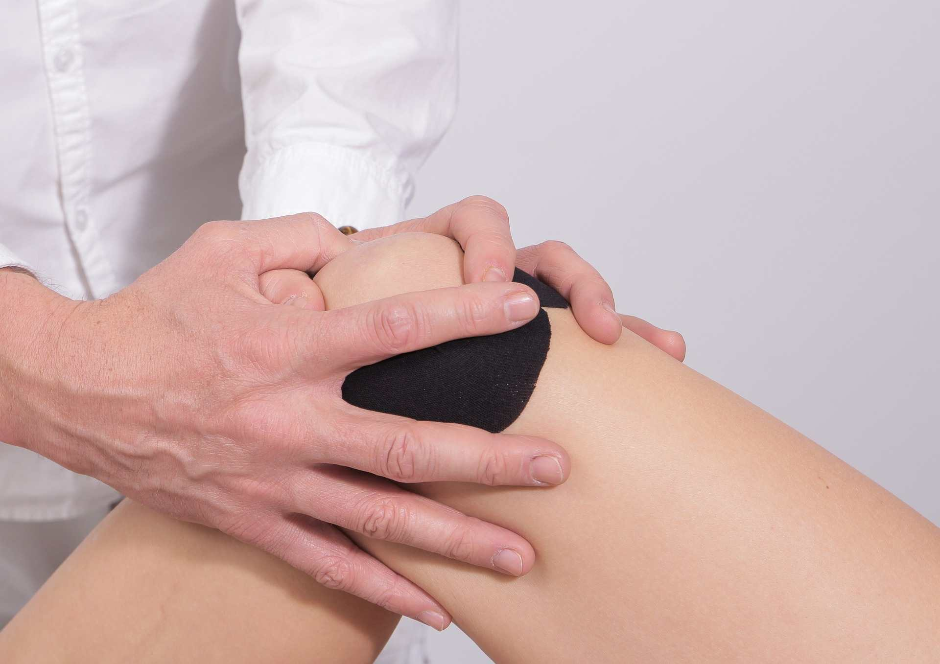 Como tratar el dolor de rodilla - Prensa Libre