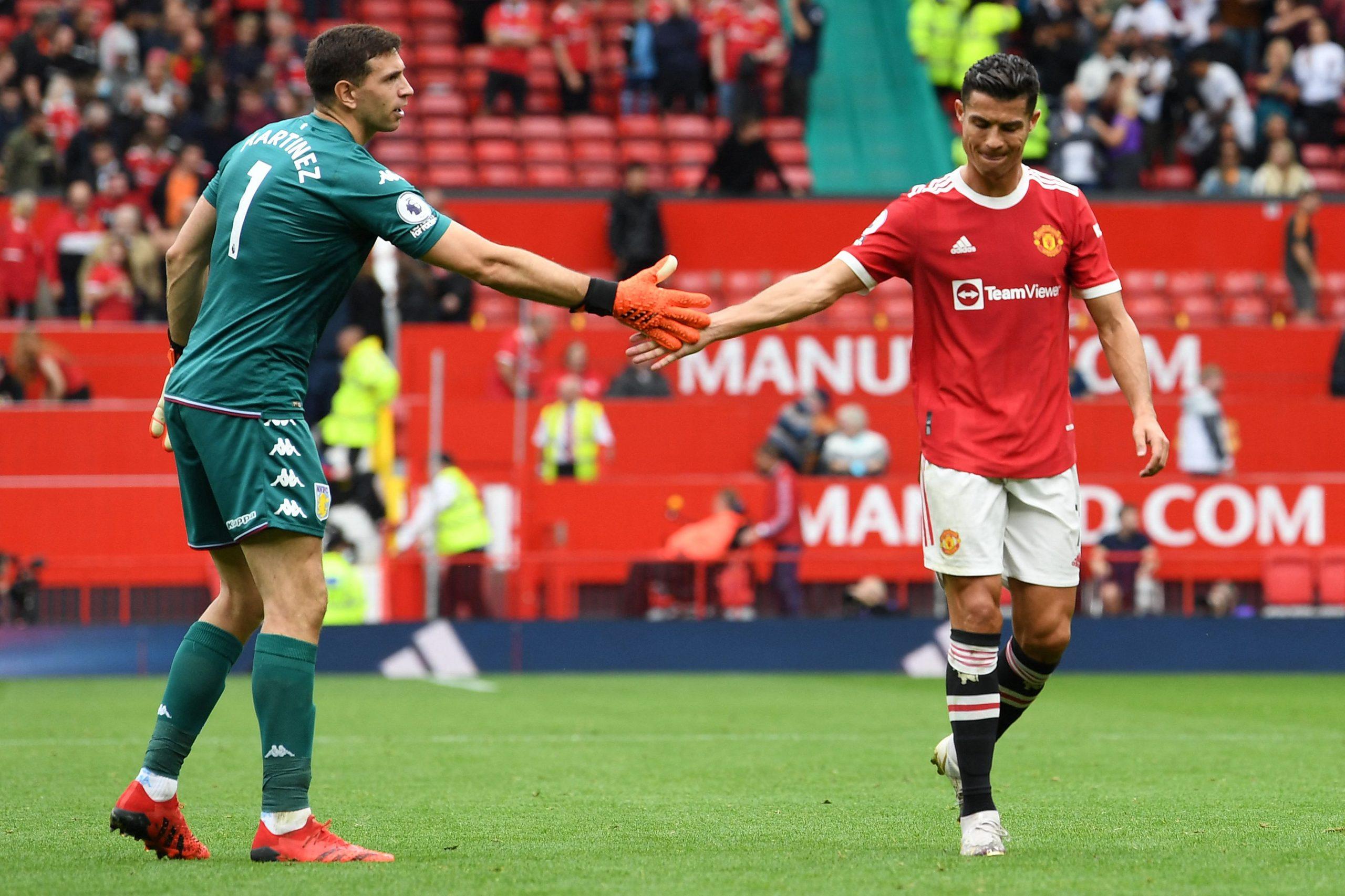 Emiliano'dra 'Martínez se robó el show ante el Manchester United con su desafío a Cristiano - Prensa Libre