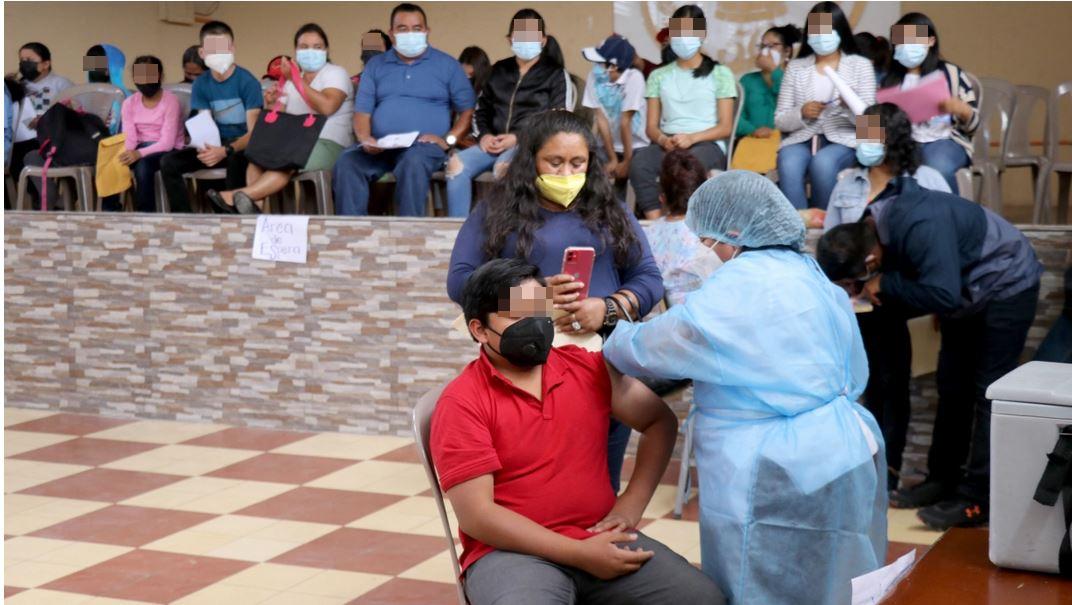 En medio de dudas sobre autorización, Huehuetenango avanza con vacunación de menores - Prensa Libre