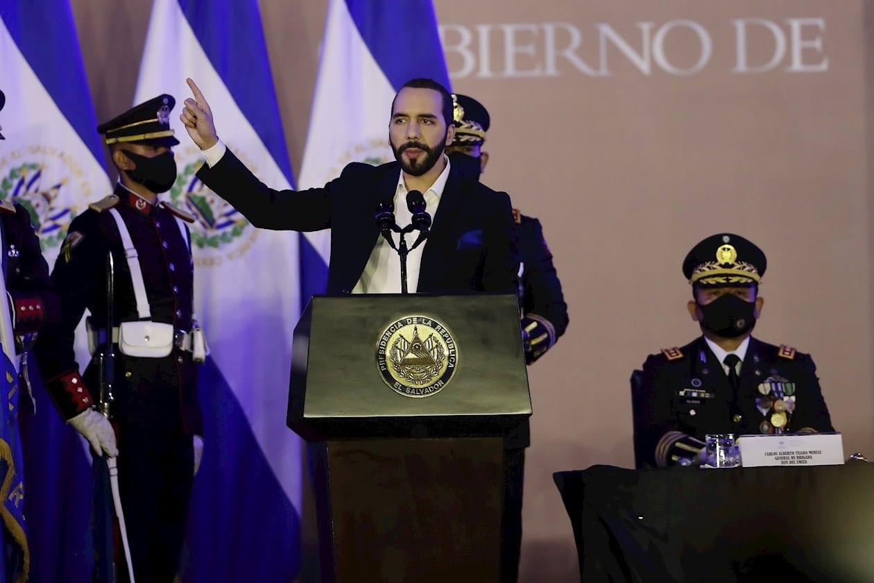 La democracia salvadoreña está en coma