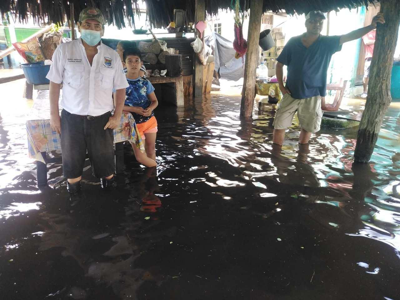 Las lluvias de las últimas horas en Guatemala cobraron 45.000 víctimas, una muerte menor y cientos de evacuados - Prensa Libre