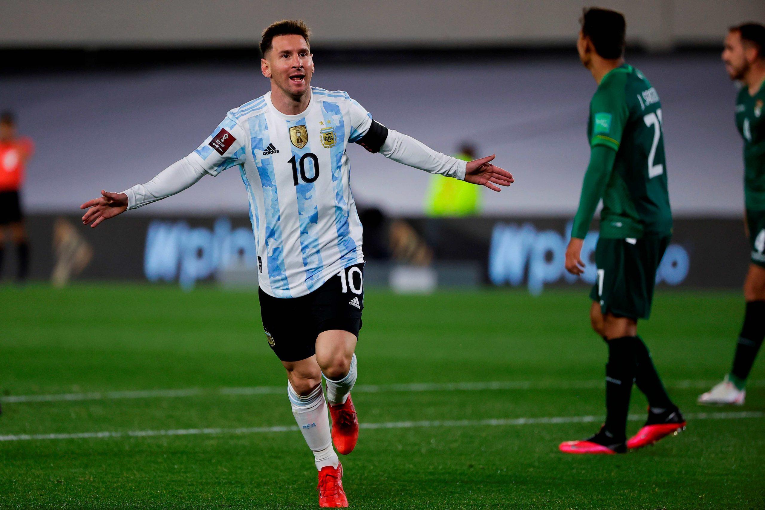 """Leo Messi rompe récord de """"Rey Pelé"""", anota un 'hat-trick' ante Bolivia y llora de emoción al final del partido - Prensa Libre"""