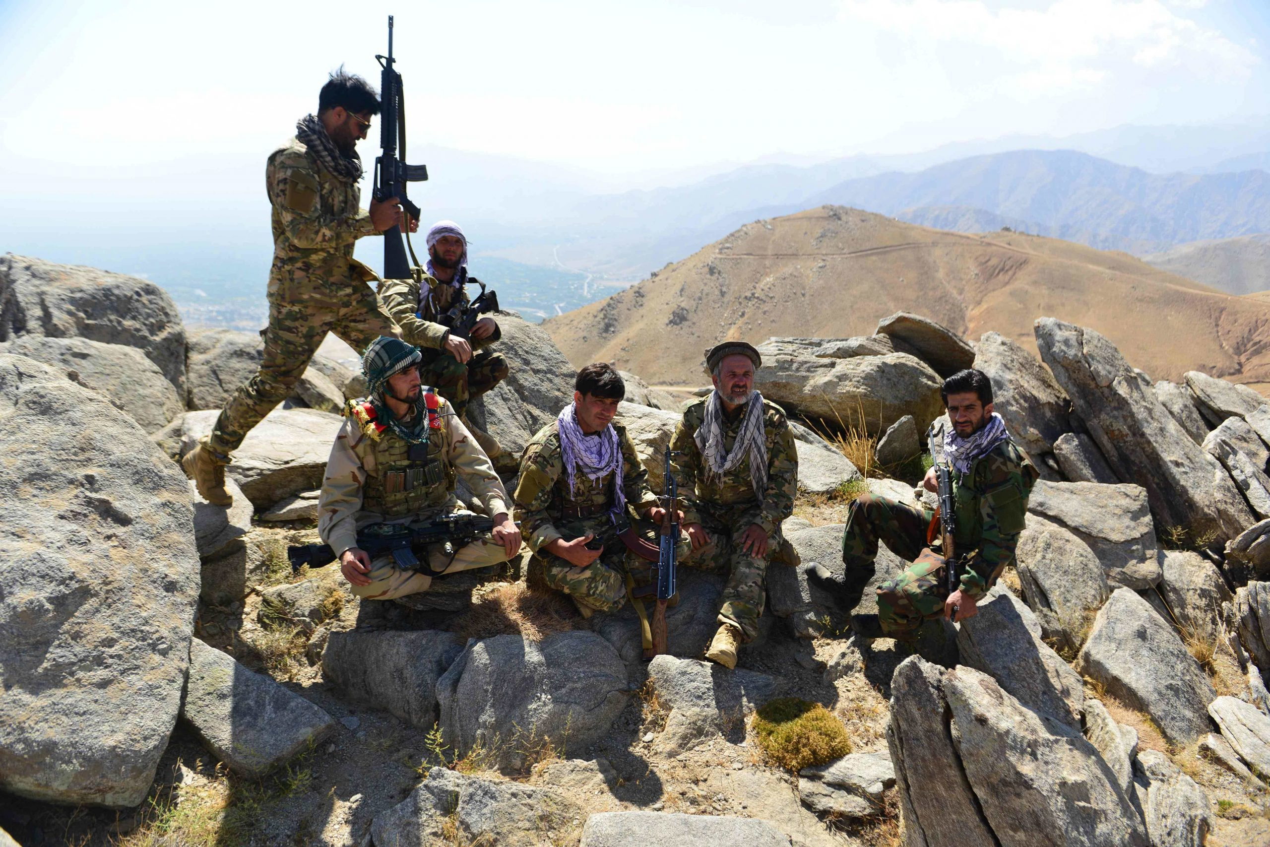 Los talibanes no paran e intensifican su ofensiva en busca del último bastión de la oposición - Prensa Libre