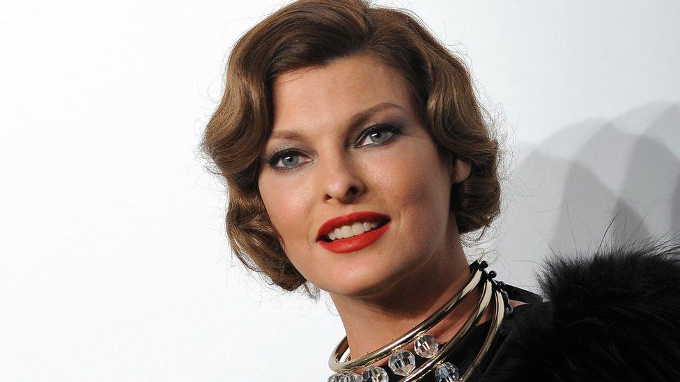 Modelo Linda Evangelista dice que procedimiento cosmético la dejó 'deformada' - Prensa Libre