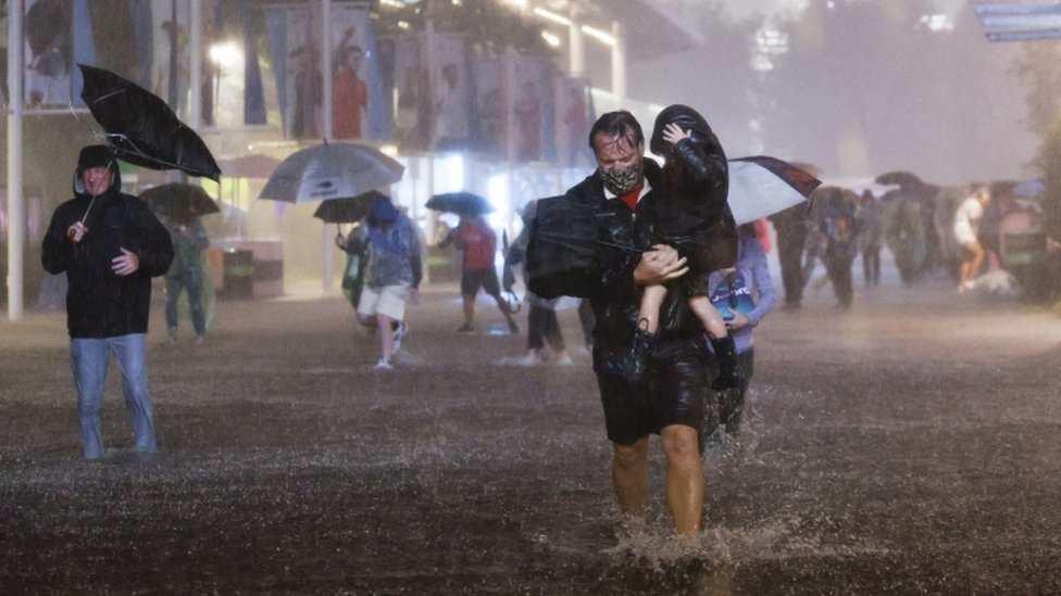 """Nueva York, Nueva Jersey y Pensilvania en estados de emergencia por """"inundaciones brutales"""" que mataron al menos a 14 personas - Prensa Libre"""