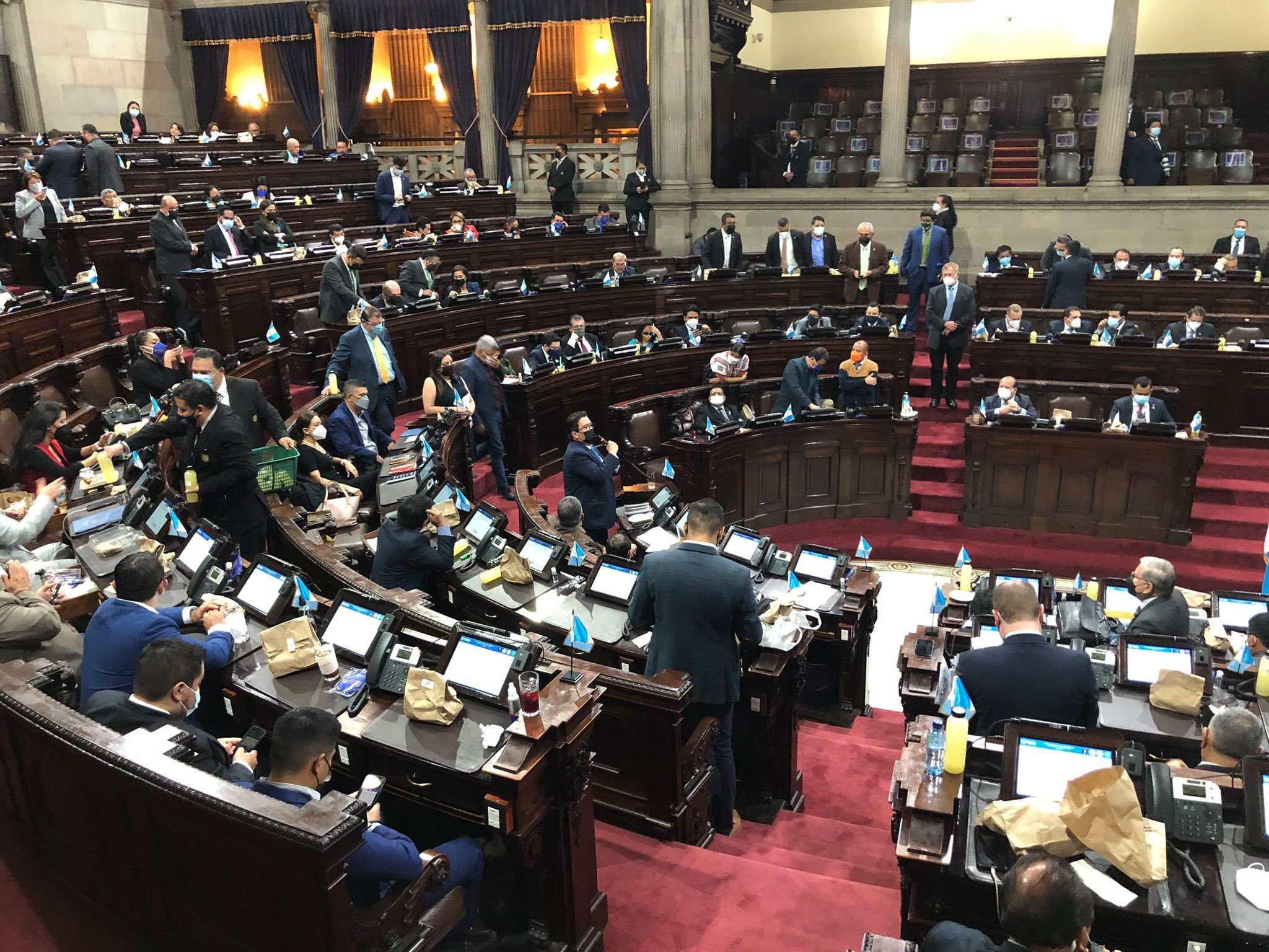 Salud pide al Congreso que priorice la discusión de la ley de adquisiciones temporales, asegure que los hospitales se queden sin suministros - Prensa Libre