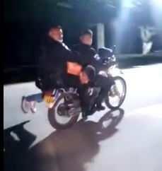 Video: ¿Qué sabemos del hombre que conducían dos policías en motocicleta en Amatitlán?