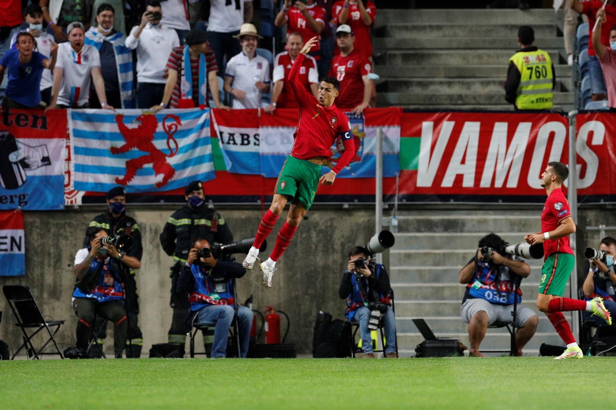 ¡El hat-trick de Cristiano Ronaldo!  Victoria de Portugal, rumbo a Qatar 2022 - Prensa Libre