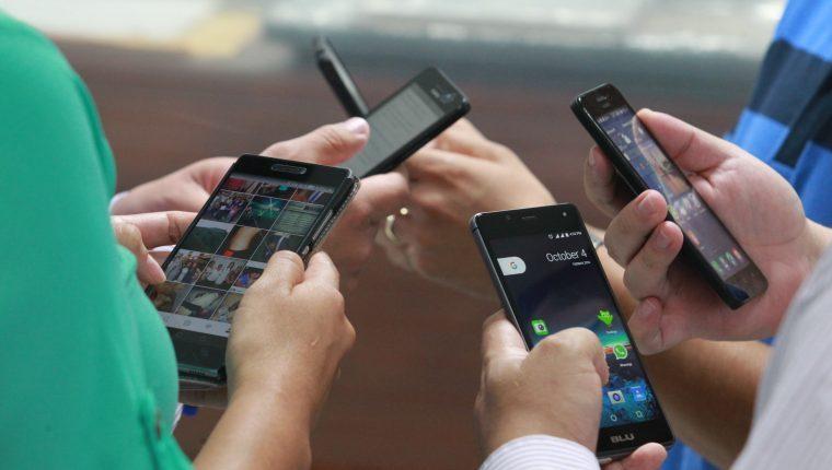 ¿Deberíamos regular los contenidos en las redes sociales?  - Prensa Libre