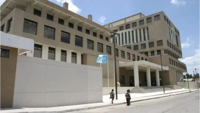 Capturan a dos personas acusadas de flujo de caja fraudulento, una de ellas reportó cero transacciones - Prensa Libre