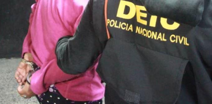 Condenan a 25 años de prisión a mujer que planeó la muerte de su hija y le dio una pastilla para intoxicarla - Prensa Libre