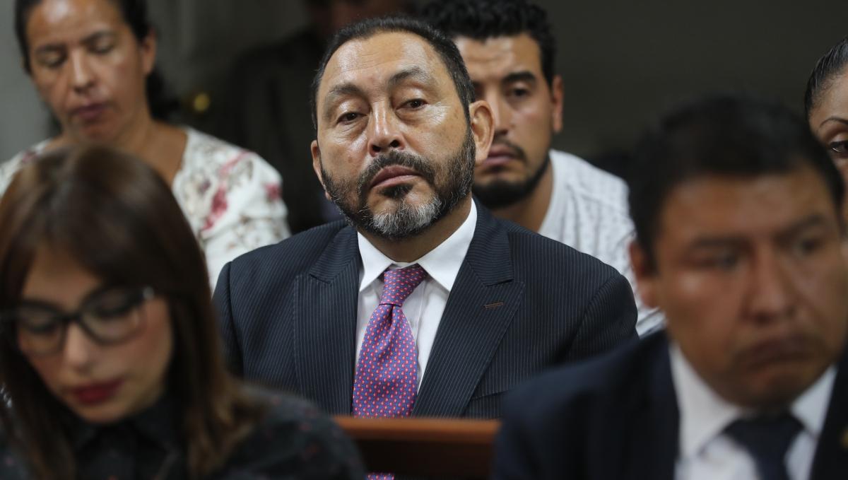 Decretan medida conservativa sobre 30 mil dólares vinculados al exministro Mauricio López Bonilla - Prensa Libre