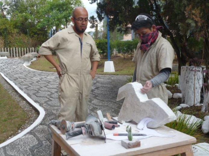 El Ministerio de Cultura elegirá a 15 escultores y les adjudicará un contrato de Q20,000 para crear obras y realizar exposiciones - Prensa Libre