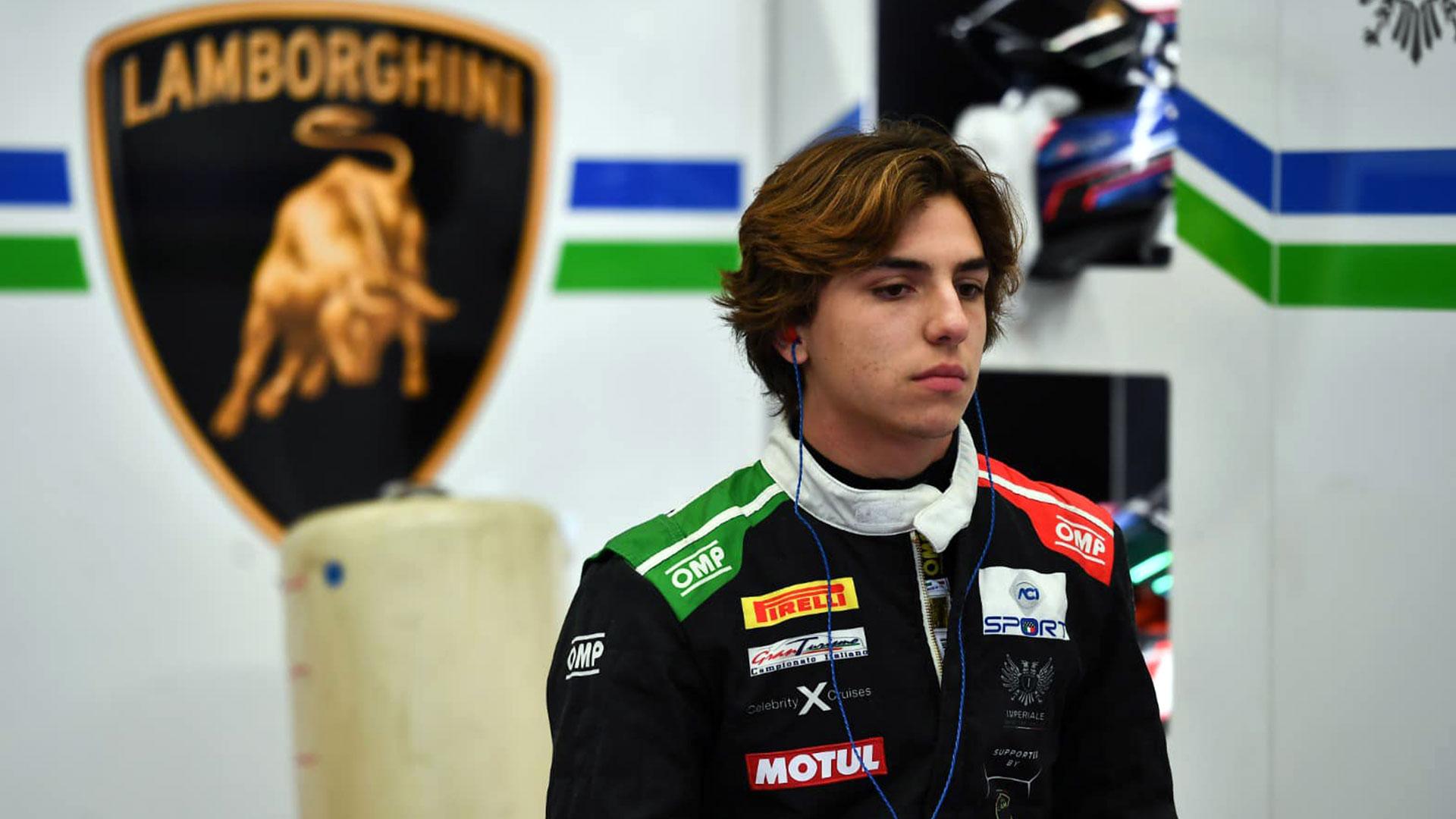 El piloto guatemalteco Mateo Llarena sobrevivió a su accidente en el Campeonato de Italia de Gran Turismo - Prensa Libre ileso