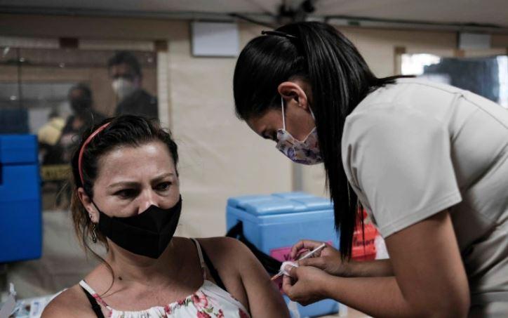 Gobierno de Costa Rica firma decreto sobre vacunación obligatoria anticovídica - Prensa Libre