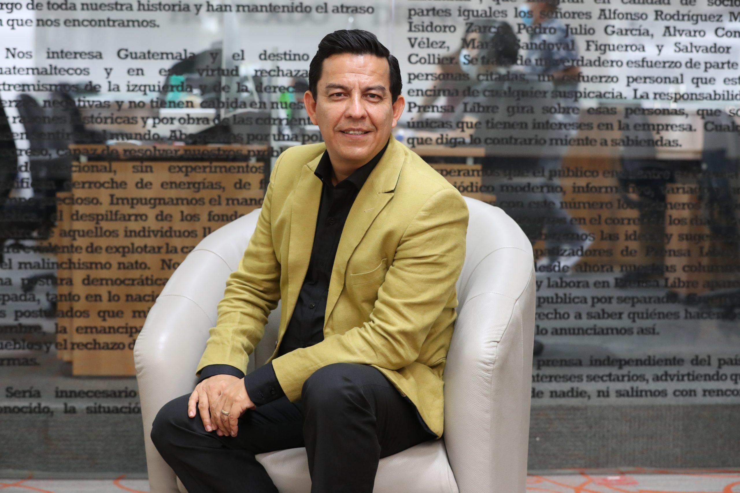 Guatemalteco nominado al Grammy Latino al Mejor Álbum Cristiano y que inició su sueño limpiando casas - Prensa Libre