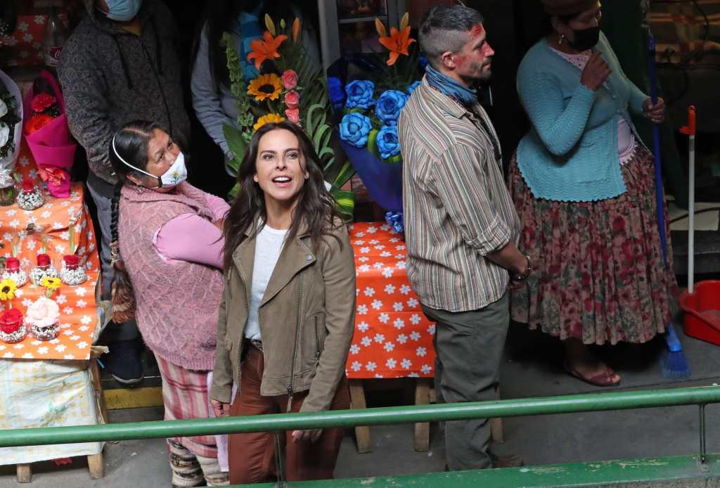 """Kate del Castillo hace furor en Lima, donde la confunden con """"Verónika"""" Mendoza - Prensa Libre"""