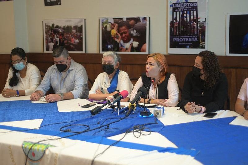 """La oposición llama a """"quedarse en casa"""" para votar"""