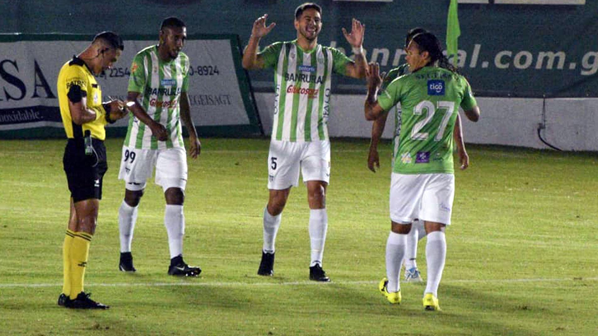 Líder Antigua ganó al vencer 4-0 a Sololá y es el único líder del Apertura 2021 - Prensa Libre