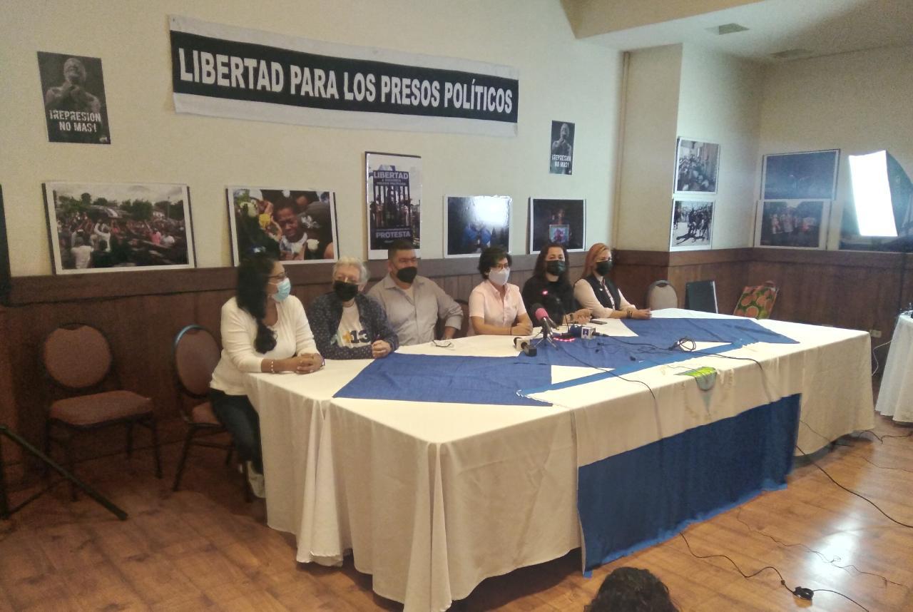 """Los opositores piden a la comunidad internacional que declare """"ilegítimas"""" las elecciones"""