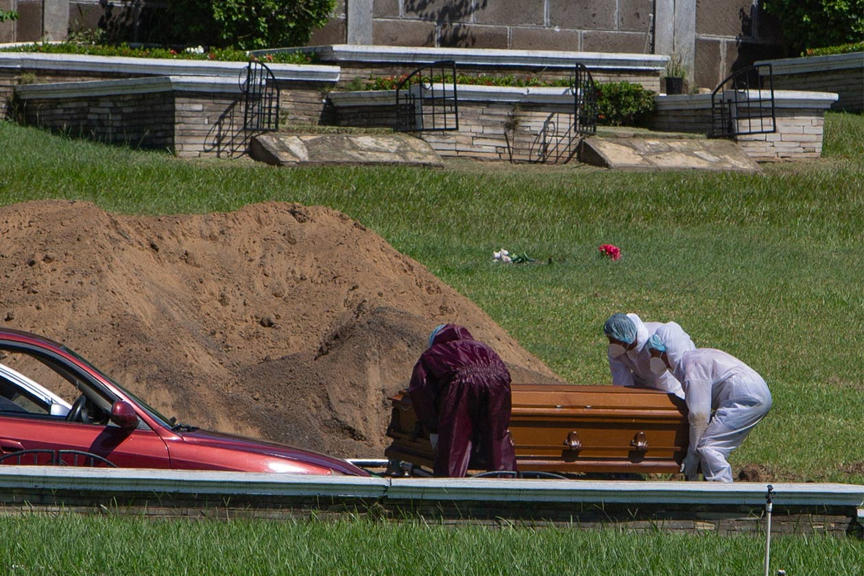 Nicaragua celebra un año al informar semanalmente sobre la muerte del covid-19