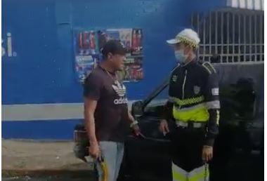 Que sabemos del altercado entre comerciante y agente de PMT en zona 13 de la capital - Prensa Libre