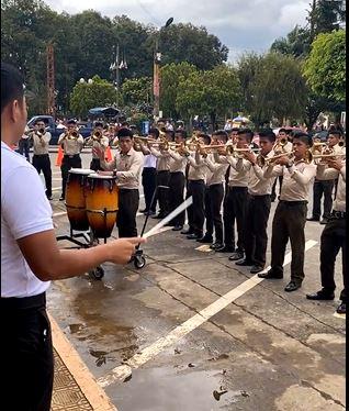 Sin distanciamiento social organizan tarde cultural en San Pedro Carchá, que está en alerta roja - Prensa Libre