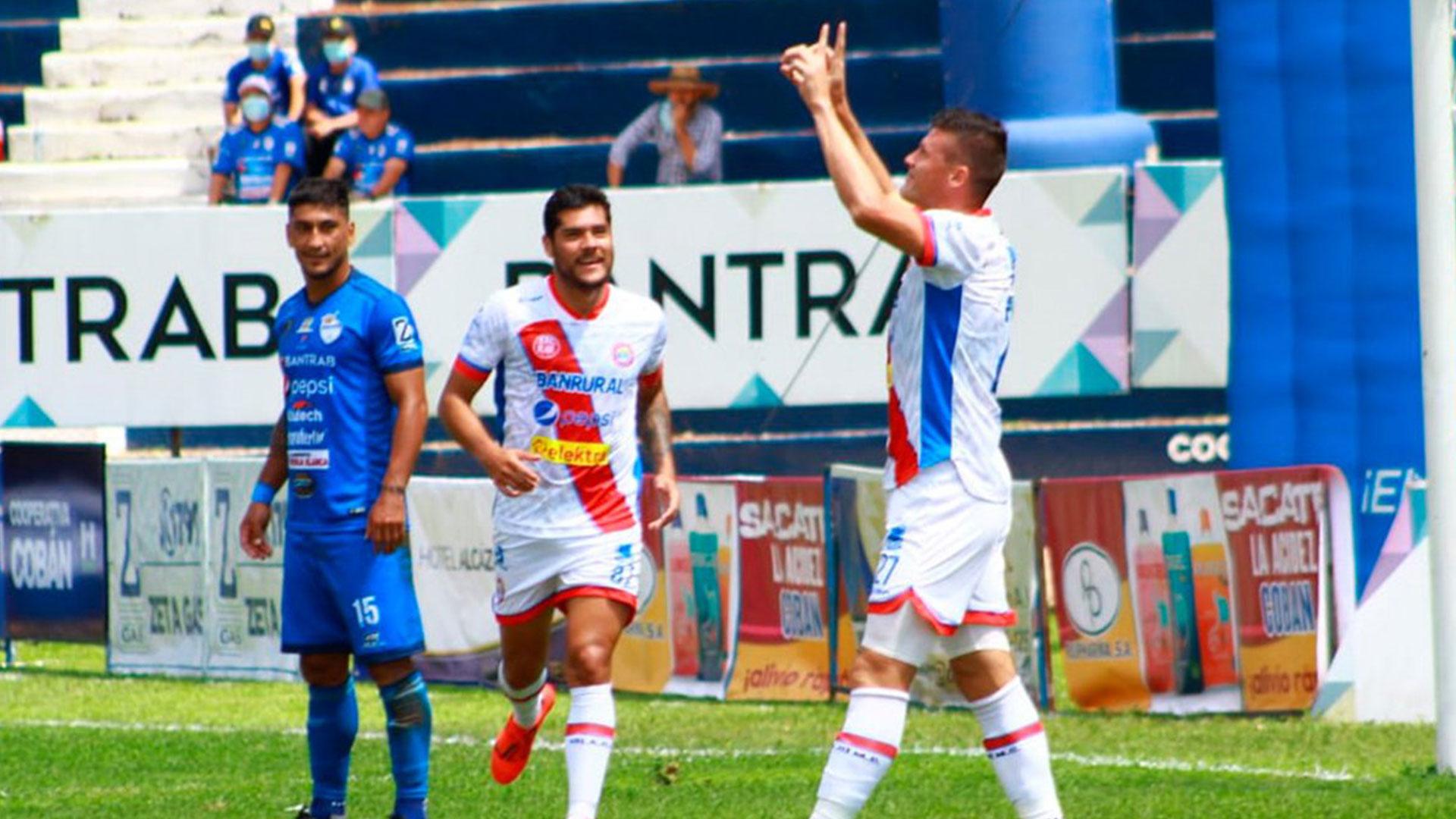 Xelajú sorprende a Cobán y ordena su tercer sorteo en Apetura 2021 al inicio de la fecha 12 - Prensa Libre