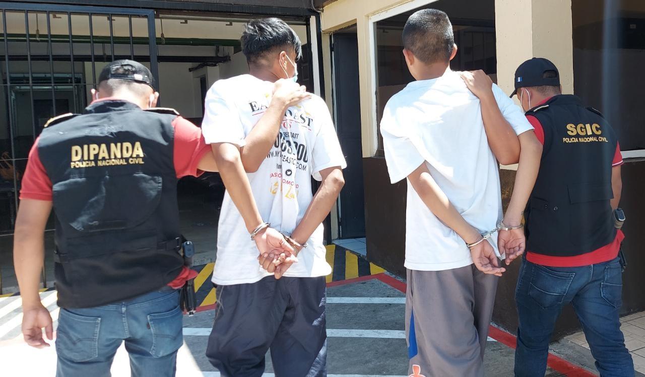 las detenciones realizadas por la PNC este sábado - Prensa Libre